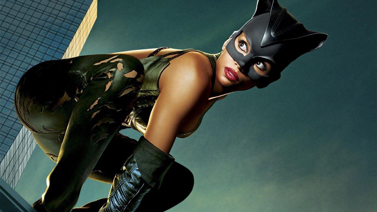 Catwoman: trama e trailer del film stasera in tv