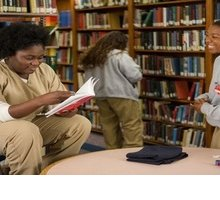 Orange is the New Black: ecco i libri che leggono le protagoniste della serie